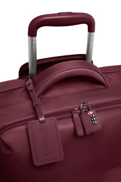 Plume Long Trip Packing Case in the color Bordeaux.