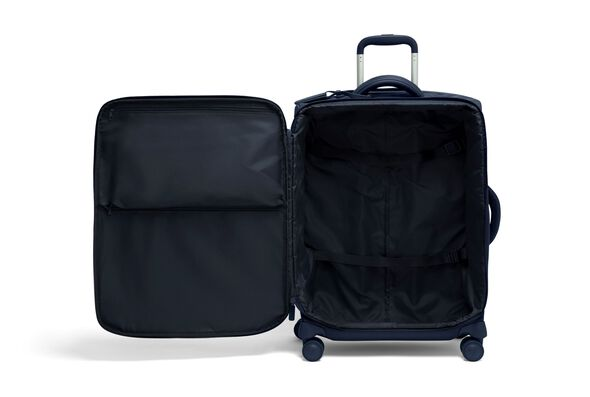 Plume Medium Trip Packing Case in the color Navy.