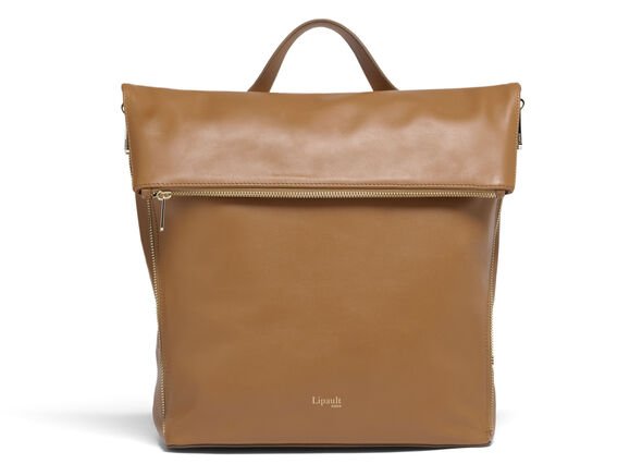 Lipault Rendez-Vous Backpack M in the color Caramel.