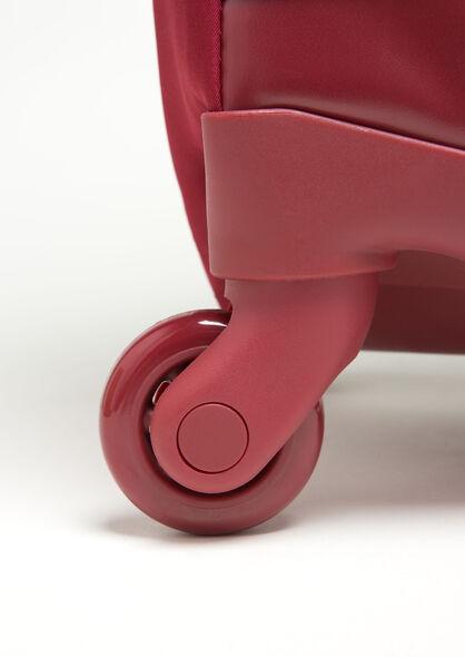 Lipault Izak Zenou Spinner 55/20 in the color Pose/Garnet Red.