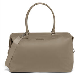 Lipault Lady Plume FL Weekend Bag M in the color Dark Taupe.